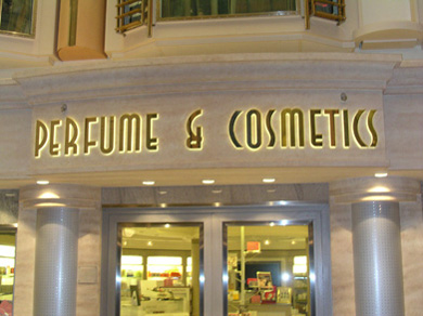 boutiques on the freedom of the seas